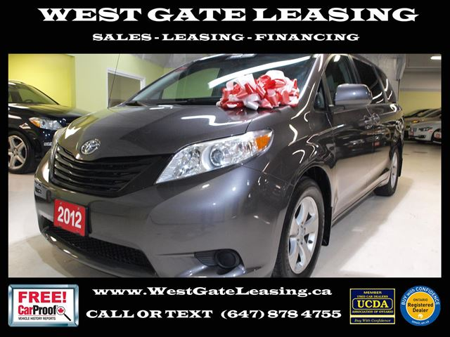 2012 TOYOTA Sienna ONE OWNER  LOCAL ONTARIO CAR  in Vaughan, Ontario