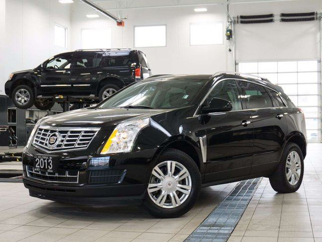 2013 CADILLAC SRX Luxury AWD in Kelowna, British Columbia