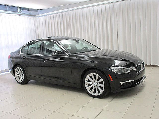 2017 BMW 3 SERIES 320i x-DRIVE AWD LUXURY LINE w/ NAV, MOONROOF & in Halifax, Nova Scotia