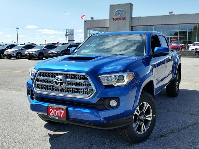 new 2017 toyota tacoma trd off road lindsay. Black Bedroom Furniture Sets. Home Design Ideas
