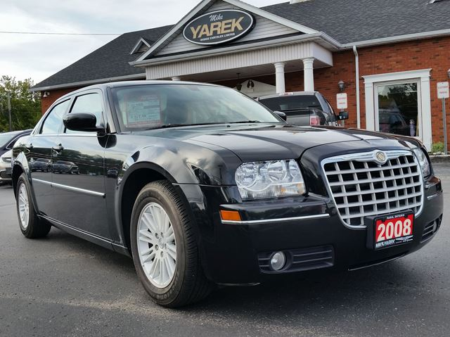 2008 CHRYSLER 300 Touring, Leather Heated Seats, Sunroof, Power Seats in Paris, Ontario
