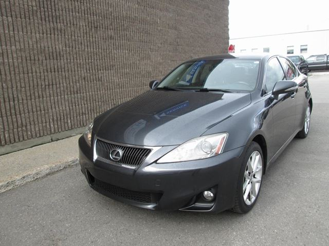 2011 LEXUS IS 250 LEATHER AWD in Gatineau, Quebec
