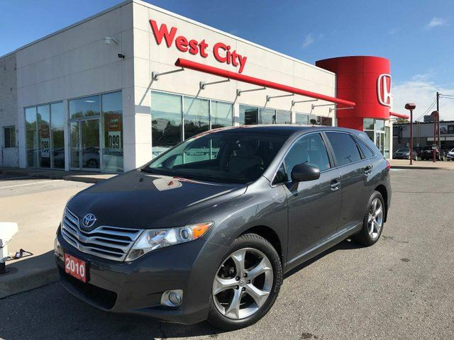 2010 TOYOTA Venza V6,LEATHER,SUNROOF! in Belleville, Ontario