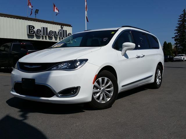 2017 CHRYSLER PACIFICA Touring-L-safety tec group, power sliding doors and liftgate in Belleville, Ontario
