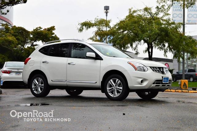 2012 NISSAN ROGUE SV AWD w backup camera, heated front seats, all in Richmond, British Columbia