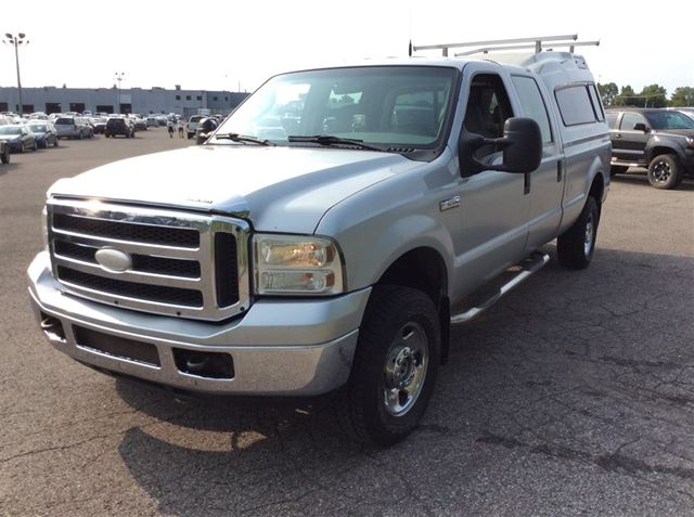 2005 Ford F-250 XLT***CREDIT 100% APPROUVE*** in Saint-Lin-Laurentides, Quebec