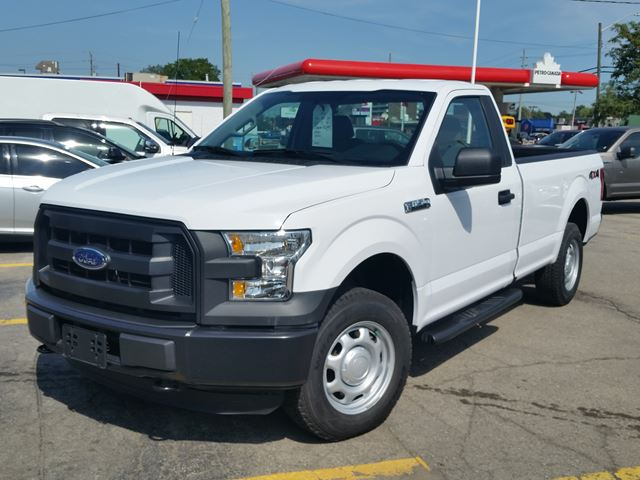 2016 FORD F-150 XL 4x4 in Hamilton, Ontario