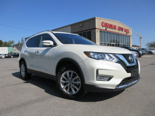 2017 Nissan Rogue SV AWD, ROOF, LOADED, 12K! in Stittsville, Ontario