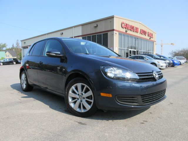 2013 VOLKSWAGEN Golf TRENDLINE, ROOF, BT, ALLOYS! in Stittsville, Ontario