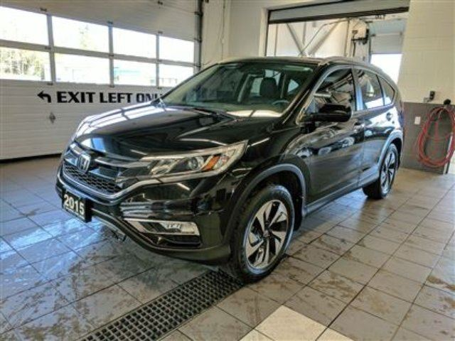 2015 HONDA CR-V AWD Touring - LOADED - No accidents! in Thunder Bay, Ontario