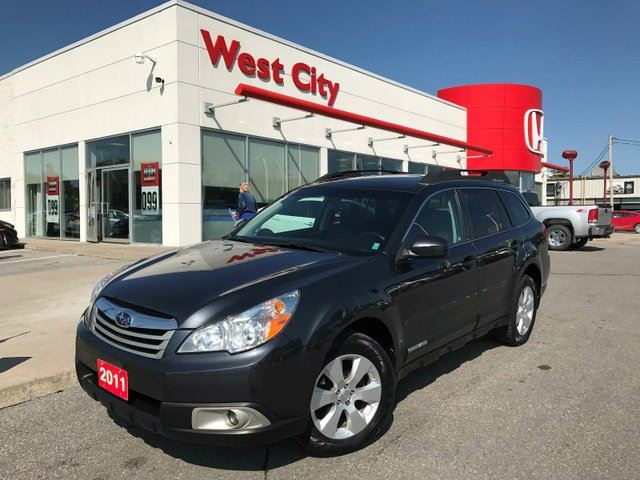 2011 SUBARU OUTBACK 2.5 i LIMITED - SUNROOF,LEATHER! in Belleville, Ontario