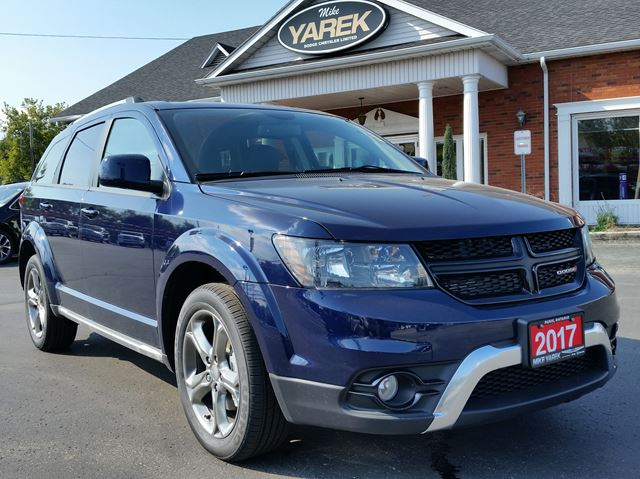 2017 Dodge Journey Crossroad FWD, Heated Seats/Wheel, Back Up Cam/Sensors, Pwr Seat, Bluetooth in Paris, Ontario