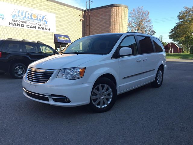 2014 CHRYSLER Town and Country Touring - REAR CAMERA - REAR AIR - BLUETOOTH in Aurora, Ontario