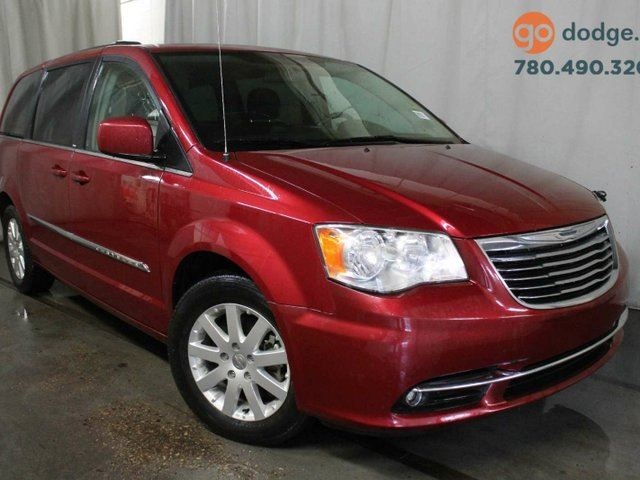 2014 CHRYSLER TOWN AND COUNTRY Touring / Rear Back Up Camera in Edmonton, Alberta