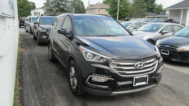 2017 HYUNDAI SANTA FE 2.4 SE in Kingston, Ontario