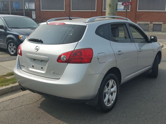 2008 nissan rogue sl silver for 9995 in brampton. Black Bedroom Furniture Sets. Home Design Ideas