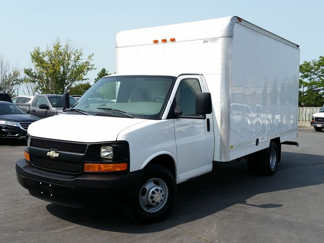 2009 CHEVROLET EXPRESS 3500 14' CUBE/BOX TRUCK-REAR HEATER-P/W-P/L-CC in Belleville, Ontario