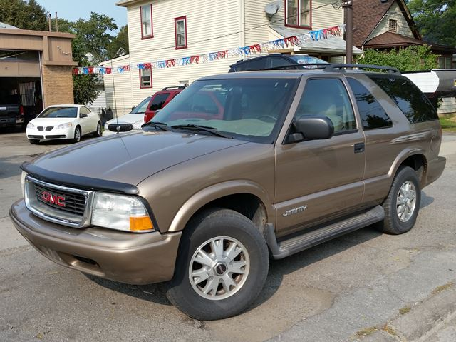 2005 GMC JIMMY SLS Base 4x4 in St Catharines, Ontario