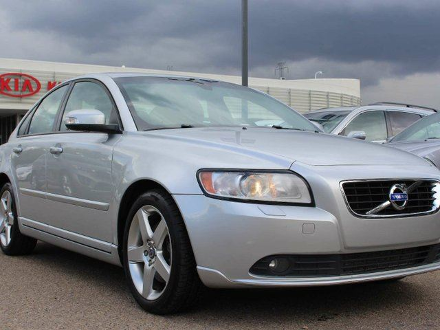 2011 VOLVO S40 SUNROOF, HEATED SEATS, BLUETOOTH, CRUISE CONTROL, LEATHER SEATS, in Edmonton, Alberta