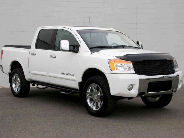 2012 NISSAN TITAN SL in Kelowna, British Columbia