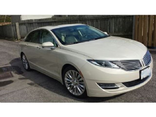 2015 LINCOLN MKZ w/ Equipment Group 102A Reserve in Mississauga, Ontario