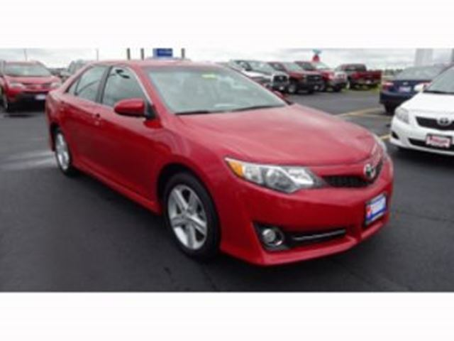 2014 toyota camry se w extended warranty 60 100 000 mississauga ontario car for sale 2882041. Black Bedroom Furniture Sets. Home Design Ideas