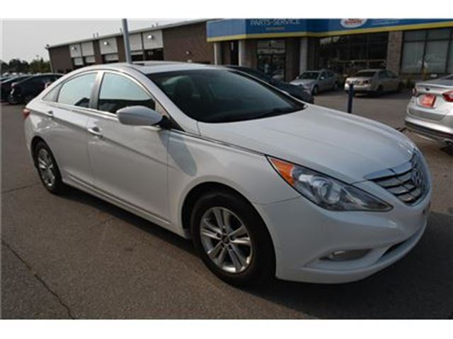 2013 HYUNDAI Sonata GLS/SUNROOF/BLUETOOTH/HEATED SEATS/ALLOY RIMS in Milton, Ontario