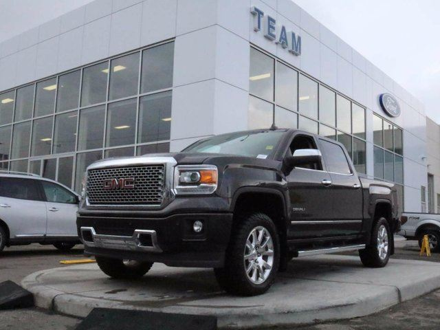 2015 GMC SIERRA 1500 Denali, 5.3L V8, Roof, Leather, Navigation, One Owner, No Accidents in Edmonton, Alberta