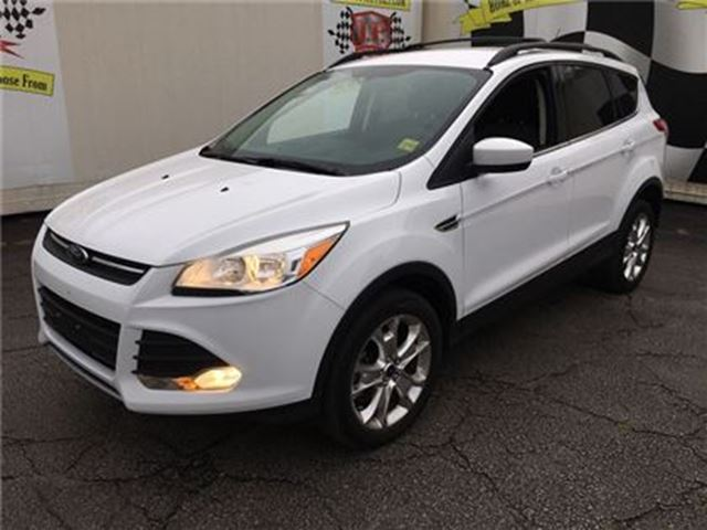 2013 FORD ESCAPE SE, Automatic, Heated Seats, 4*4 in Burlington, Ontario