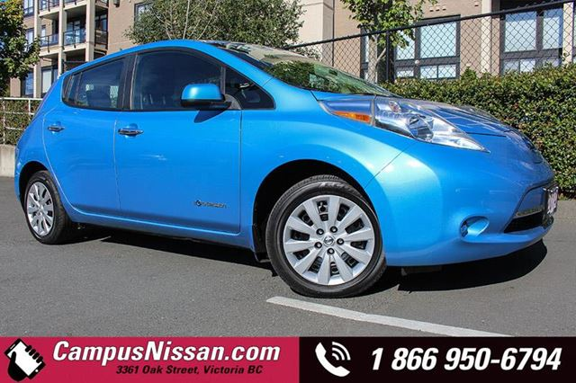 2014 NISSAN LEAF SV w Quick Charge in Victoria, British Columbia