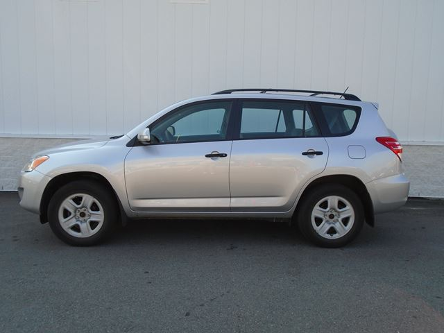 2011 TOYOTA RAV4 BASE in North Bay, Ontario