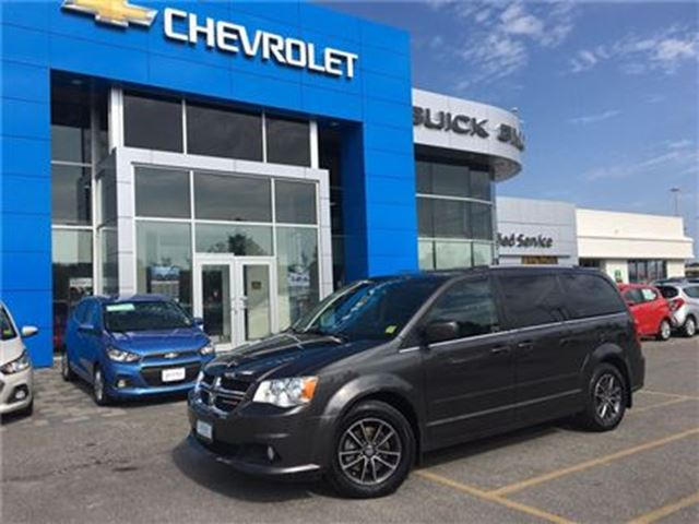 2016 Dodge Grand Caravan SE STOW N GO POWER SLIDING DOORS!!! in Orillia, Ontario