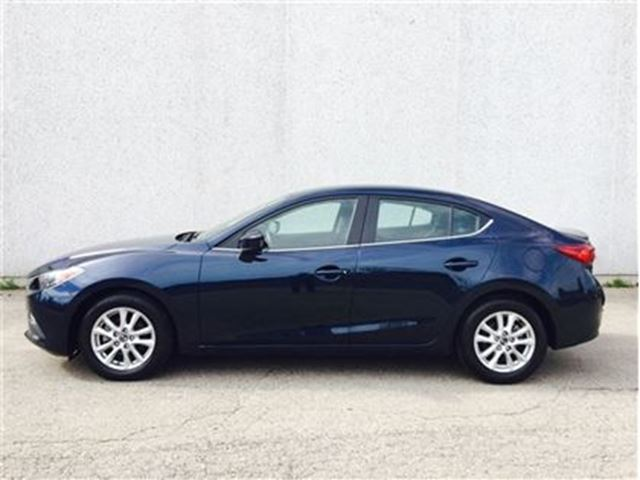 2015 MAZDA MAZDA3 GS/Auto, Alloys, heated seats, camera in Vaughan, Ontario