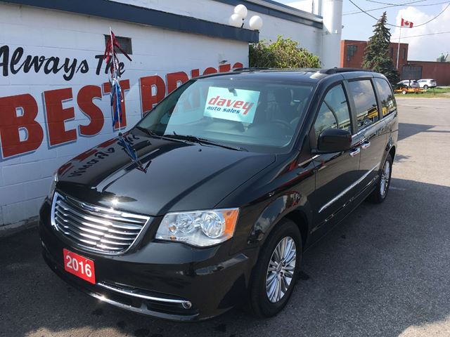 2016 Chrysler Town and Country Touring-L DVD, LEATHER INTERIOR, SUNROOF, NAVIGATION in Oshawa, Ontario