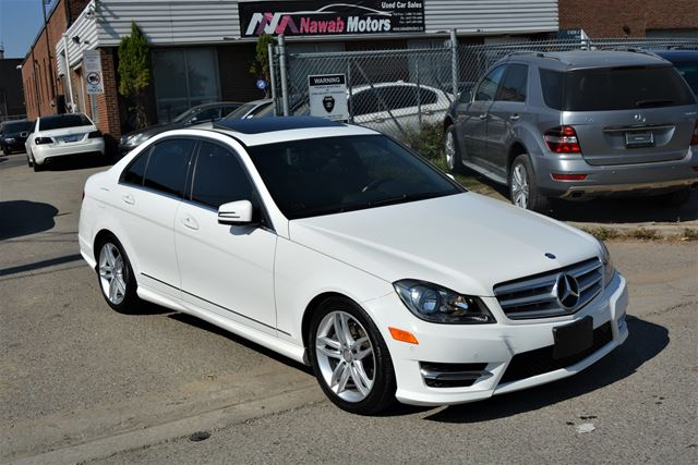 2013 MERCEDES-BENZ C-CLASS O ACCIDENTS 4Matic Navi Leather Sunroof in Brampton, Ontario