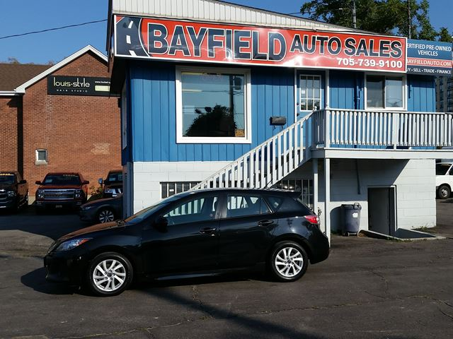 2013 MAZDA MAZDA3 Sport GS-SKY **Auto/Heated Seats/Bluetooth** in Barrie, Ontario