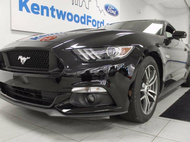 2016 FORD MUSTANG GT 5.0L V8 with NAV, heated/cooled power leather seats, push start/stop, back up cam, and MANUAL in Edmonton, Alberta