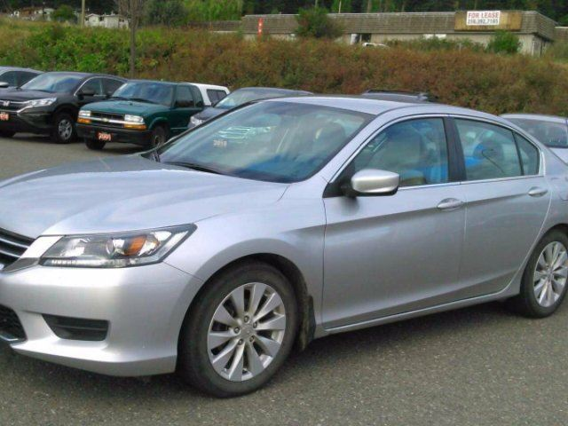 2015 HONDA ACCORD LX in Williams Lake, British Columbia