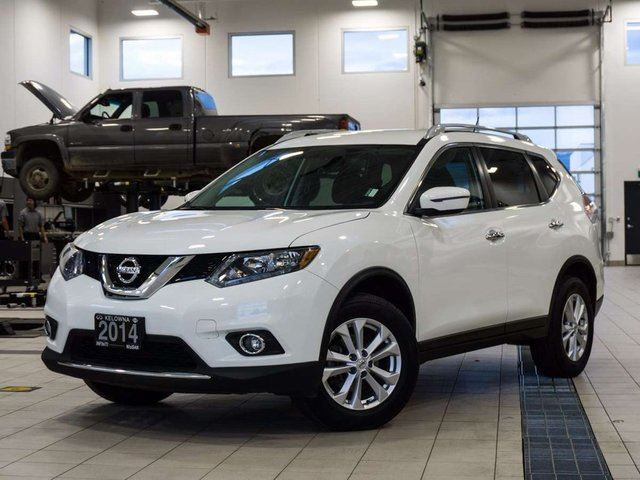 2016 Nissan Rogue SV AWD in Kelowna, British Columbia