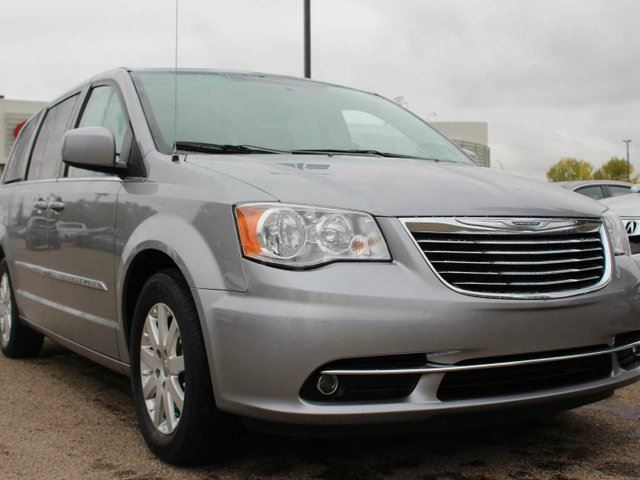 2014 Chrysler Town and Country TOURING, POWER SLIDING DOORS, REAR CLIMATE CONTROL, CRUISE CONTROL, SIRIUS in Edmonton, Alberta