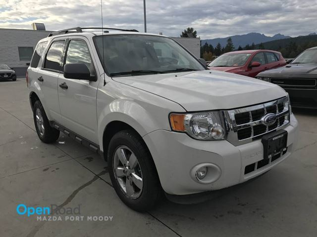 2009 FORD ESCAPE XLT V6 4WD A/T Local One Owner Low Kms Sunroof  in Port Moody, British Columbia