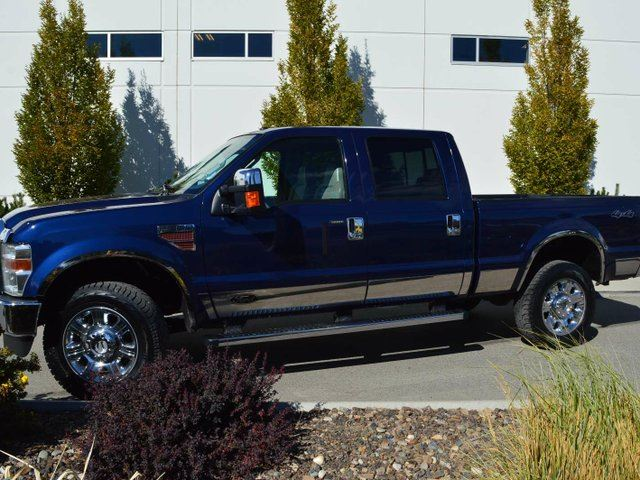 2010 FORD F-350 XLT 4x4 SD Crew Cab 156 in. WB SRW in Kamloops, British Columbia