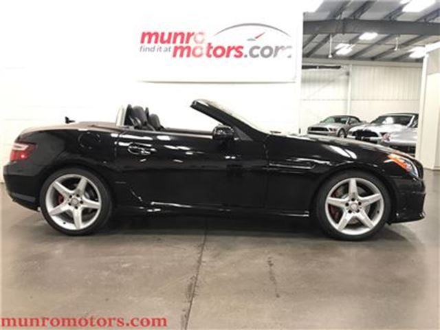 2013 MERCEDES-BENZ SLK-CLASS 350 AMG Sport Pkg Glass top Navigation in St George Brant, Ontario
