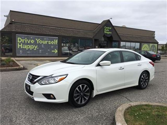 2016 NISSAN ALTIMA SV / SUNROOF / ALLOY RIMS / BLUETOOTH in Fonthill, Ontario