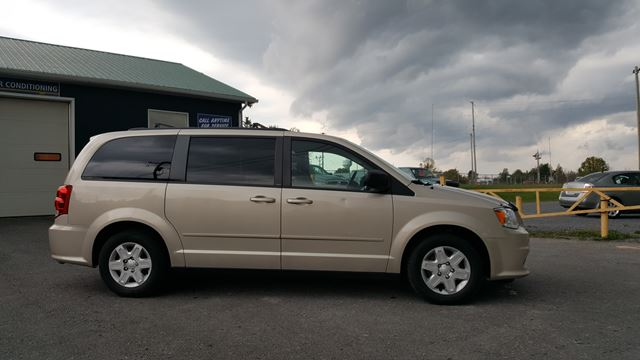 2013 DODGE GRAND CARAVAN SE in Alexandria, Ontario