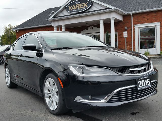2015 CHRYSLER 200 Limited, V6, Red Katzkin Leather Heated Seats, Sunroof, Bluetooth in Paris, Ontario