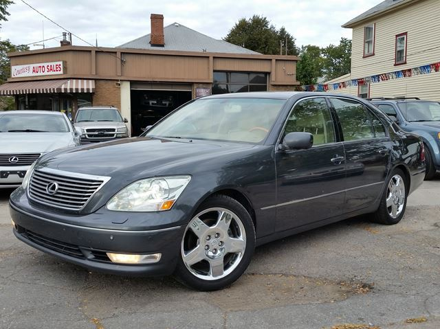 2004 LEXUS LS 430 RWD in St Catharines, Ontario