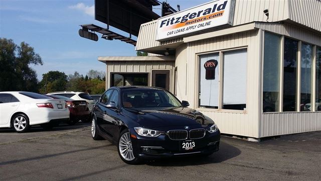 2013 BMW 3 SERIES 328 i i xDrive - LUXURY! NAV! HUD! BACK-UP CAM! in Kitchener, Ontario