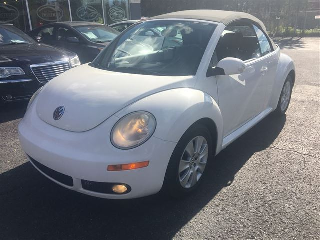 2009 VOLKSWAGEN NEW BEETLE 2.5L Highline***CREDIT 100% APPROUVE*** in St Eustache, Quebec