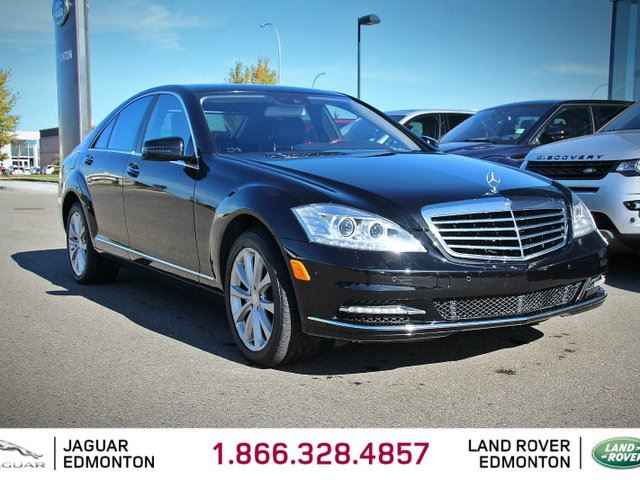 2012 MERCEDES-BENZ S-CLASS S550 4MATIC - Local 2nd Owner Trade In | No Accidents | Navigation | Back Up Camera | Parking Sensors | Harmon Kardon Audio | Power Sunroof | Power Rear Sunshades | 18 Inch Wheels | Heated/Cooled/Massage Front Seats | Heated Rear Seats | Heated Steer in Edmonton, Alberta